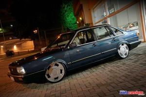 volkswagen-santana-sedan-1989-azul