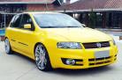 fiat-stilo-amarelo-aro-20-rodas-cromadas-rebaixado
