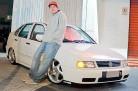 Polo Classic 1998 com rodas de Porsche e rebaixado