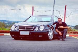 Mercedes-Benz CLK 320 Sport 1998 com ar e rodas de Bentley - Zé Roberto