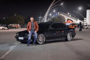 BMW 750i V12 1995 com aro 20, fixa e frisos pretos - André Farias