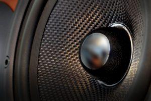 Subwoofer ou Woofer? No carro, qual é melhor para caixa de som?