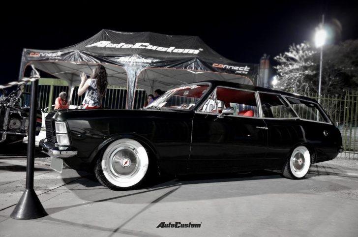 caravan-preta-rebaixado-pneu-faixa-branca-interior-vermelho-noite-opala-2016