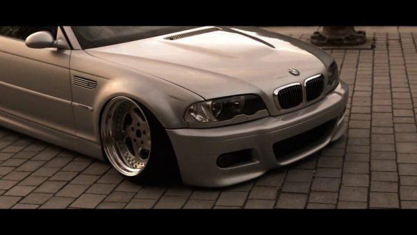 BMW E46 M3 Stanced, suspensão a ar e rodas taludas